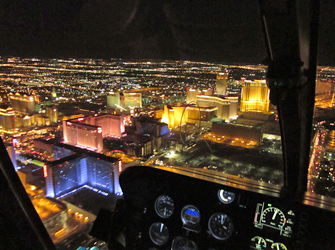 helikopter nachtvlucht boven Las Vegas