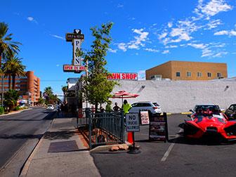 Big bus hop on hop off bus in Las Vegas - Pawn Store